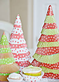 make cupcake liner christmas trees holiday tutorial
