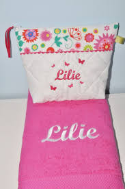 trousse de toilette girly 33 best linge maison images on pinterest lace toilet and embroidery