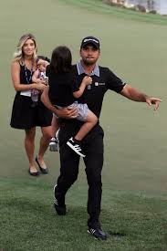 jason day u0027s wife ellie kids friend in auto accident all are ok