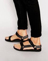 21 creative guys wearing womens sandals u2013 playzoa com