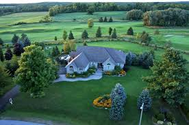 Backyard Golf Course by Luxury Bungalow With Backyard Golf Course Toronto Star
