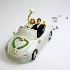 car wedding cake toppers wedding in car wedding in car cake topper