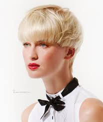 cutting hair so it curves under short mushroom cut with hair that curves in side view