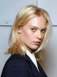 Frisuren Mittellange Haare Mittelscheitel by Die Besten 25 Mittelscheitel Frisuren Ideen Auf