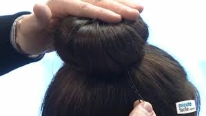 comment cuisiner les chignons coiffure faire un chignon boule minutefacile com