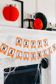 how to style a traditional halloween mantel the tomkat studio