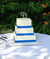 the bakery next door blue u0026 white wedding cake