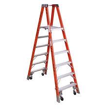 werner 12 ft fiberglass step ladder with 300 lb load capacity