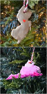 Homemade Christmas Tree Ornaments by 27 Easy Homemade Christmas Ornaments How To Make Diy Christmas