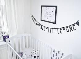 buchstaben für kinderzimmer letter banner buchstaben girlande diy black girlanden