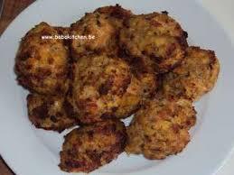 cuisiner boulette de viande boulette de boeuf maison boulettes de boeuf au coeur de mozzarella