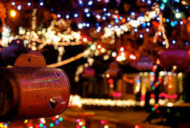 37th street lights austin christmas lights best decorated streets in the thrillist