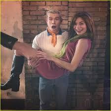 Scooby Doo Gang Halloween Costumes Miranda Cosgrove U0026 Jennette Mccurdy Reunite Scooby Doo Group