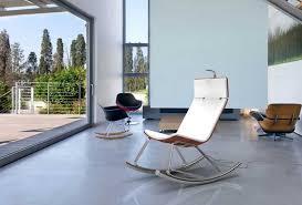 designer schaukelstuhl designer schaukelstuhl alu oberhalb marmorboden wohnzimmer