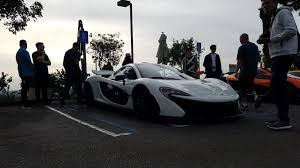 koenigsegg mclaren mclaren takes over a car meet but a record breaking koenigsegg