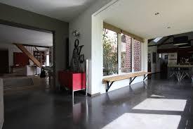 interieur maison bois contemporaine ouverture des volumes pour un agencement intérieur contemporain