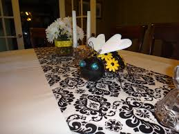 bee table decorations bumblebee baby shower pinterest table