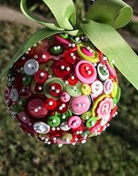 how to recycle recycled christmas balls ornament buttons
