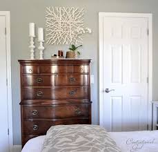 Light Colored Bedroom Furniture by Best 20 Dark Wood Dresser Ideas On Pinterest Painted Bedroom