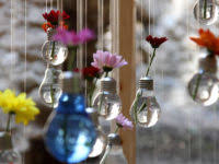 15 awesome crafts involving light bulbs