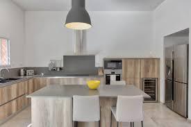 cuisine frigo cuisine italienne et frigo américain porte îlot central et