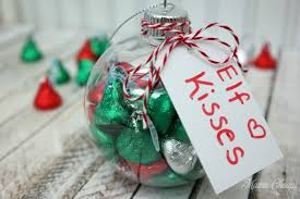 diy kisses ornaments great for gifts or on the shelf