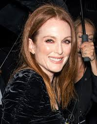 juliet moores hair color julianne moore wears rose gold eye makeup to nyfw