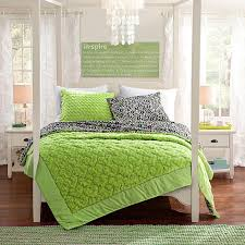 43 Best Bed In A by Best 25 Green Comforter Ideas On Pinterest Green Duvets Green