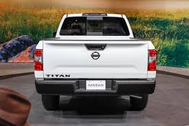 nissan extra 2017 nissan titan king cab first look nissan kings its titan