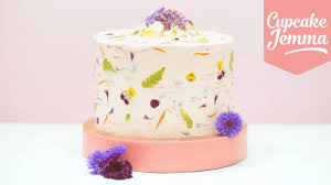 Halloween Cake Decorations Edible Growwild How To Use Real Edible Flowers To Decorate Your Cakes