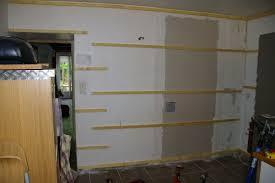 lambris pour cuisine début des murs de la cuisine notre maison