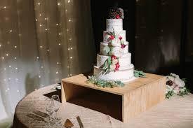 wedding cake table cake table linens decor to adore