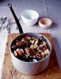 cuisiner des bulots cuisson bulots comment cuire des bulots à table