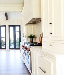 best white paint for wood kitchen cabinets benjamin oc 17 white dove best white white