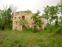 old farmhouse ruin in palombaro property in italy