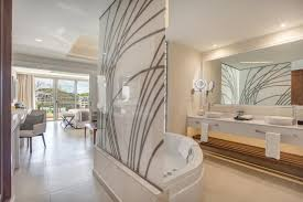 diamond club luxury ocean view family suite royalton negril
