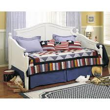 Wood Daybed With Pop Up Trundle Daybed With Pop Up Trundle Ideas Gretchengerzina Com