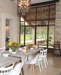 salle a manger provencale en provence près d u0027avignon locations saisonnières pour 16