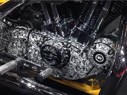 beautiful filigree hand engraved on the rocker cover on this