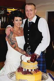 overweight couple so mortified by wedding photos they lose 14