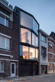 Modern Narrow House Modern Home With Angled Glazing Frames Digsdigs
