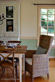 paint colors for dining room with chair rail then it went to