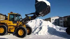 volvo tr snölastning volvo l60f loading snow on volvo fh trucks youtube