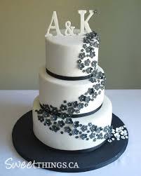 black and white wedding cakes sweetthings black white wedding cake