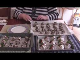 Where To Buy Chocolate Strawberries How To Make Chocolate Covered Strawberries Youtube