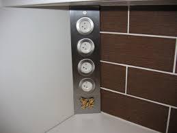 multiprise d angle pour cuisine arrivée du radiateur dans la cuisine et visiteur un petit