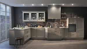 idee mur cuisine faience cuisine grise pour idees de deco l gant couleur mur