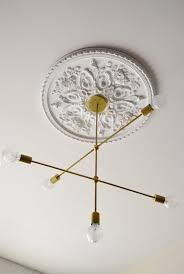 What Size Ceiling Medallion For Chandelier 12 Unique U0026 Creative Ideas For Ceiling Medallions Ceiling