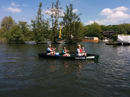 thames river boat hen party hen party rowing trip henley canoe hire henley on thames