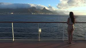 clip in hair cape town wide of girl looking at the view of cape town and the